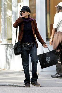 Meg Ryan Photos - Meg Ryan goes incognito as she walks around the West Village chatting on the phone - Zimbio