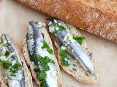 Marinated anchovies in vinegar de Jerez, easy Spanish tapas recipes using fresh seafood and great variation for the tapas table.