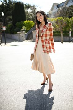 Rust-colored Plaid – 9to5chic Blazer Outfits For Women, Summer Outfits Women, Spring Outfits, Girl Outfits, Fashion Outfits, Office Looks, Rust Color, Office Outfits, Work Fashion