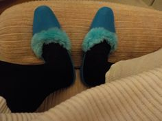 Furs, Slippers, How To Wear, Vintage, Fashion, Moda, Sneakers, Fashion Styles, Slipper