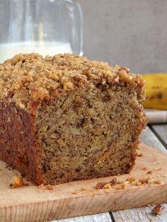 Perfectly Moist Banana Bread With Crunchy Streusel Topping | YummyAddiction.com