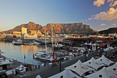 Everything glows when the sunset hits Table Mountain. Photo taken at the Victoria & Alfred Waterfront in Cape Town. South Africa Facts, Visit South Africa, Cape Town South Africa, Cool Places To Visit, Places To Go, African Museum, V&a Waterfront, Table Mountain, Shopping Center