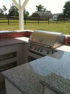 Outdoor Kitchen with Grill #countertops #kitchen
