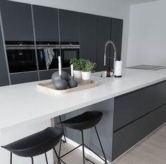 Kitchen And Bath, New Kitchen, Kitchen Interior, Kitchen Dining, Sweet Home, Garden Architecture, Cuisines Design, Walk In Pantry, Kitchen Remodel