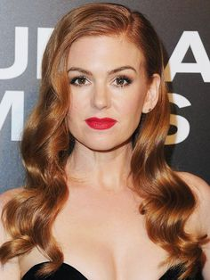 Hair Color Trends 2018 - Highlights : Hair colour ideas: Isla Fisher with red hair - Magenta Hair Colors, Hair Color 2017, Bright Red Hair, Red Hair Color, Isla Fisher, Red Hair Makeup, Wedding Hair And Makeup, Reddish Hair, Red Ombre Hair
