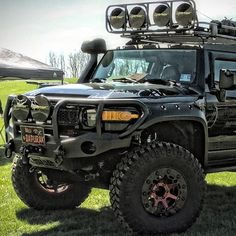 Tricked out FJ Cruiser Toyota 4runner Trd, Toyota 4x4, Toyota Trucks, Chevy Trucks, Fj Cruiser Off Road, Fj Cruiser Mods, Toyota Fj Cruiser, Ranger Car, Fj Cruiser Accessories