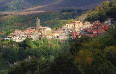 Nemi, Italian village about 30 minutes from Rome. It overlooks Lake Nemi. Italy Magazine, Rome Tours, Italian Village, Hiking Tours, Wild Strawberries, Medieval Town, My Escape, Roman Empire, Italy Travel