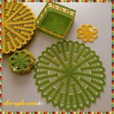 Tığ işi dantel Amerikan servis örnekleri ile çok şık ve dikkat çeken bir… Crochet lace American service examples with a very stylish and remarkable accessories will be prepared. Crochet Doily Patterns, Crochet Motif, Crochet Doilies, Crochet Lace, Knitting Patterns, Crochet Home Decor, Crochet Kitchen, Easy Knitting, Beginner Knitting
