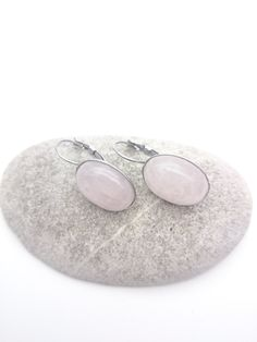 Rose quartz oval dangle earrings pale pink gemstone 18 x 13 mm cabochon and silver hypoallergenic stainless steel//Natural stone jewelry Pink Gemstones, Semi Precious Gemstones, Natural Stone Jewelry, Natural Stones, Jewelry Shop, Jewelry Gifts, Quartz Rose, Stainless Steel Earrings, Pale Pink