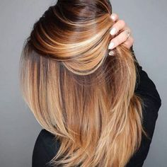 You can never go wrong with ombre hair when you're looking to give yourself a complete makeover. Take your hair on a wild adventure with these sassy ombre hair ideas. Cinnamon Hair, Natural Hair Styles, Short Hair Styles, Strawberry Blonde Hair, Fall Hair Colors, Brown Blonde Hair, Hair Color And Cut, Feathered Hairstyles, Great Hair