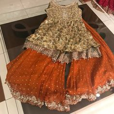 Pakistani Wedding and Party Dresses Online Ads Pakistan Pakistani Mehndi Dress, Bridal Mehndi Dresses, Pakistani Fashion Party Wear, Nikkah Dress, Pakistani Wedding Outfits, Pakistani Bridal Dresses, Pakistani Wedding Dresses, Pakistani Dress Design, Bridal Outfits