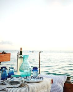 the perfect wine picnic ~ on the water!