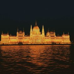 Rolling rolling on the river. Utterly stunning evening view of the Hungarian Houses of Parliament. . . . #travelingourplanet #wanderlust No words. Just a glass of wine with the most amazing view. . . . #Budapest #Hungary #ThisIsBudapest #WeLoveBudapest #BudapestGram #IG_Budapest #IG_Magyarorszag #BDPST #Insta_Budapest #VSCOBudapest #nofilter #travelblogger #UrbanizersBudapest #EverydayBudapest #HelloBudapest #Budapesti #IG_Hungary #wineoclock #abmtravelbug #prettypursuit #reflections #Danube