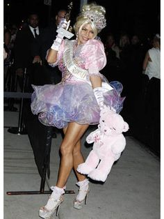 Celebrity Halloween Costume Ideas - Pictures of Celebrity Halloween Costumes - Seventeen
