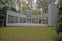 WHAT'S ON THE MARKET: Myron Goldfinger 1970s House, 15 miles from New York   Journal   The Modern House