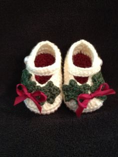 Crochet baby booties baby girl Christmas booties 0 by SevenSkeins, $15.00