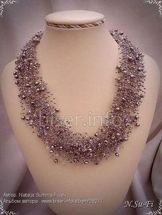 Indian Bridal Jewelry Sets, Indian Jewelry Earrings, Jewelry Design Earrings, Antique Jewellery Designs, Fancy Jewellery, Bead Jewellery, Necklaces, Choker, Beading