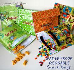 Sewing Bags Project Amanda Moutos Designs: Waterproof Reusable Snack Bags {A Tutorial} Diy Sewing Projects, Sewing Hacks, Sewing Tutorials, Sewing Crafts, Sewing Patterns, Tutorial Sewing, Purse Patterns, Sewing Tips, Reusable Sandwich Bags