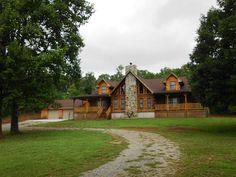 609 Reagan Valley Rd, Tellico Plains, TN 37385 - Home For Sale and Real Estate Listing - realtor.com®