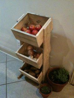 Reclaimed veggie bin- made from pallet wood!