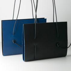 Handtas 'ons Kim' Zwart / Blauw - Mamzel - Designed for Mamzel by Kupper & Wuytens - 195€