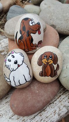 Dogs & Puppies Painted Rocks Artist: Anita Schmidt yourself painting Pebble Painting, Pebble Art, Stone Painting, Diy Painting, Rock Painting Patterns, Rock Painting Ideas Easy, Rock Painting Designs, Stone Crafts, Rock Crafts