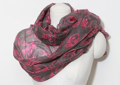 Skull Print Scarf in Pink // Storets.com // #STORETS #accessories