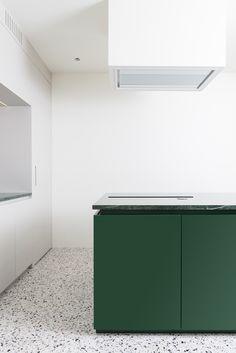 Penthouse Apartment inside Milan's famed Ca' Brutta building refurbished by Studio Wok Interior Exterior, Interior Design Kitchen, Modern Interior Design, Interior Architecture, Kitchen Decor, Asian Interior, Exterior Design, Minimalist Kitchen, Minimalist Interior