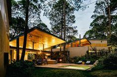 Modern elegant house! LOVE the lighting!