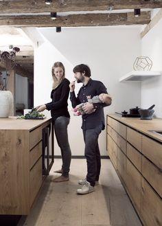 Küchen-Steckbrief #4: eine Küche in Kopenhagen von Garde Hvalsøe mit Holz von Dinesen.                                                                                                                                                      Mehr