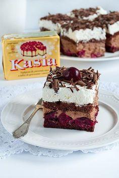 kostka czarny las Cute Desserts, Cookie Desserts, No Bake Desserts, Cookie Recipes, Dessert Recipes, Polish Desserts, Polish Recipes, No Bake Cake, Amazing Cakes
