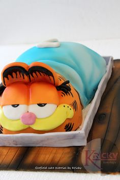Garfield cake tutorial - via http://krickykonyhaja.blogspot.com