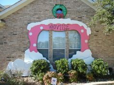 dr seuss christmas decorating ideas   Christmas at Whoville - 2012 - Holiday Designs - Decorating Ideas ...