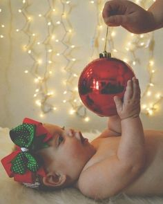 Christmas Baby Photos - edit out the hand, magical!