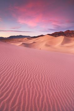 America - Las Vegas - Death Valley National Park - Sand Dunes at Dusk #travel #dusk #desert