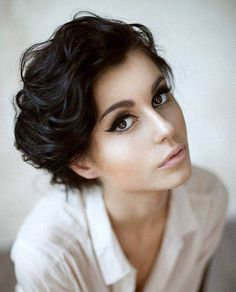New Short Hairstyles for Thick Wavy Hair