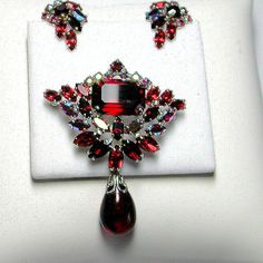 Let's Get Vintage - SHERMAN JEWELRY - Exquisite rare siam red drop brooch and earrings Signed SHERMAN - Vintage Costume Jewelry