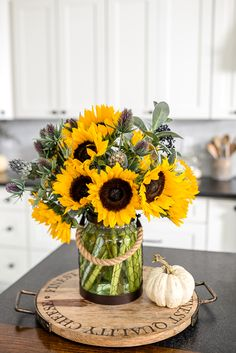 Glean some fall kitchen decorating ideas using sunflowers and hydrangeas! Browse through 15 additional fall Kitchen Vignettes, Fall Kitchen Decor, Kitchen Island Decor, Kitchen Themes, Farmhouse Kitchen Decor, Farmhouse Style, Sunflower Themed Kitchen, Sunflower Kitchen Decor, Sunflower Decorations