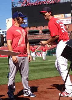 Waino messing with Skip during an MLB Network interview.