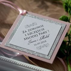 Wedding Story, Wedding Cards, Wedding Details, Favors, Projects To Try, Wedding Decorations, Wedding Inspiration, Place Card Holders, Brokat