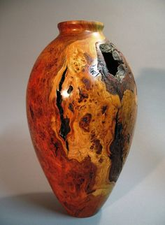 Cherry Burl vase - I like turned wood Wood Vase, Wood Bowls, Got Wood, Wood Turning Projects, Wood Creations, Wooden Art, Wood Pieces, Wood Sculpture, Wood Design