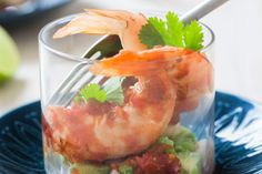 Spicy prawn cocktail recipe, Bite – Seventiesstyle prawn cocktails were rich with all that creamandmayonnaise dressing This is a much punchier chilli version - Eat Well (formerly Bite) Spicy Prawns, Prawn Shrimp, Cocktails And Canapes, Cocktail Recipes, Prawn Starters, Prawn Cocktail, Grown Up Parties, How To Make Salsa, Fresh Seafood