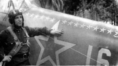 Гвардии капитан А.А. Ефремов на аэродроме у своего истребителя Як-9 с отметками боевых побед.  5 Мая 1942 года за мужество и воинскую доблесть, проявленные в боях с врагами, удостоен звания Героя Советского Союза. Всего совершил 401 боевой вылет, провел около 120 воздушных боев, сбил 19 самолетов противника лично и в составе группы.
