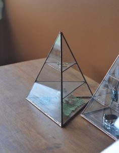 Lyra Pyramid by ABJ glassworks