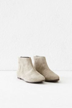 SUEDE POINTY BOOT