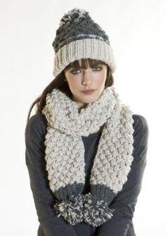 Ladies Chunky Hand Crochet Knit Fashion Winter Set Pom Pom Beanie Style Hat & Scarf: Amazon.co.uk: Clothing