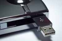 How to Easily Download and Create a USB Linux Distro in Windows