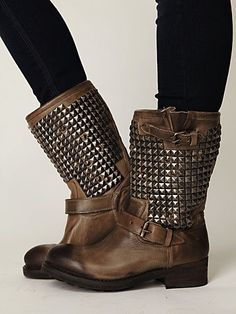 CUTEST boots ever! $385 (vedder boot, Free people)