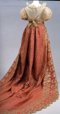 1820s back lacing gown. beautiful embroidery.