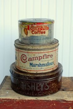 I have a big campfire marshmallows tin and many Hershey's reproduction tins. Vintage Tins, Vintage Love, Vintage Kitchen, Vintage Antiques, Retro Vintage, Vintage Canisters, Food Canisters, Vintage Storage, Shabby Vintage
